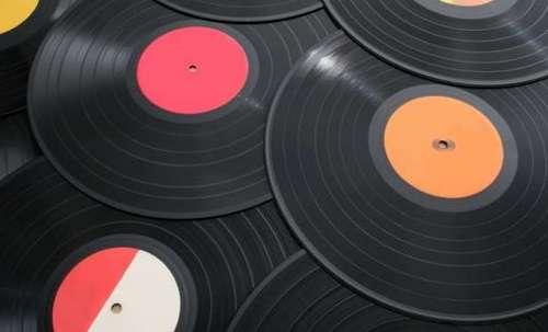 Мультимедиа Холдинг будет выпускать виниловые пластинки