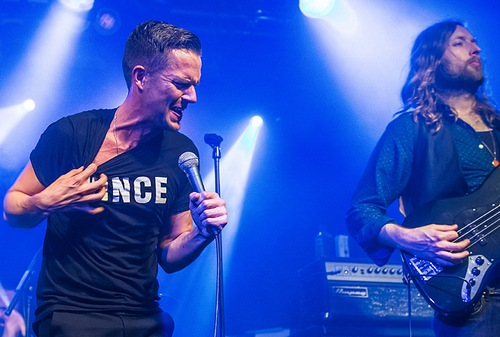 The Killers пустили к себе на барабаны Даниэль из Haim