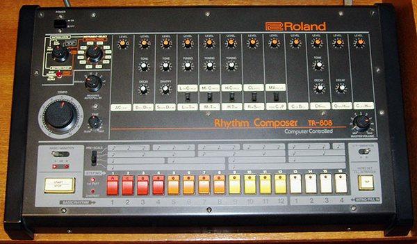 Легендарный грувбокс Roland TR 808