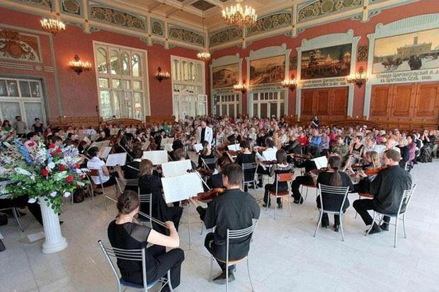 Живая музыка на Витебском вокзале