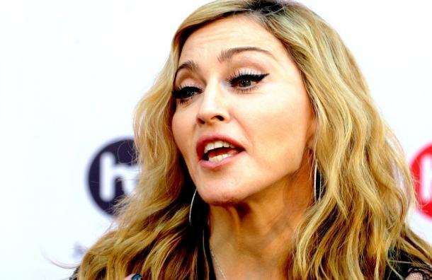 Мадонна против