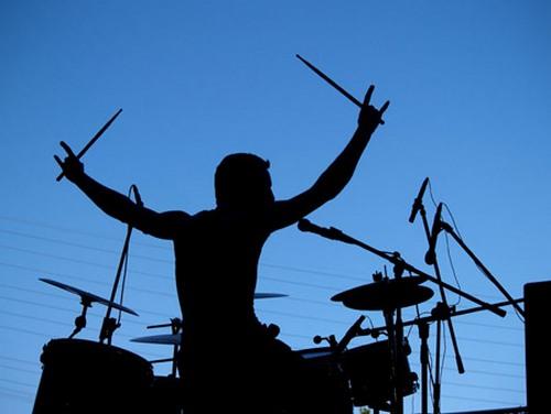 В 2012 году, среди всех жанров музыки доминировал рок