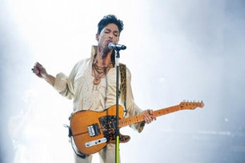 Принс получил награду «икона Billboard»