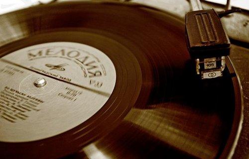 """Российский лейбл """"Мелодия"""" теперь продает свои композиции на iTunes"""