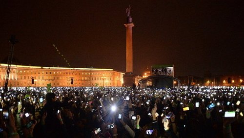 Рок концерт в Питере собрал более 60 тысяч человек