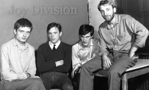 Питер Хук скупает все, что касается творчества Joy Division