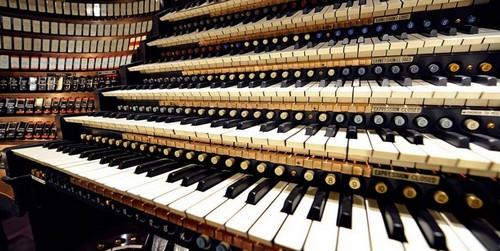 Свердловская филармония проведет сбор денег на реставрацию органа