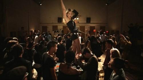 Звезды мирового уровня снялись в массовке клипа Пола Маккартни