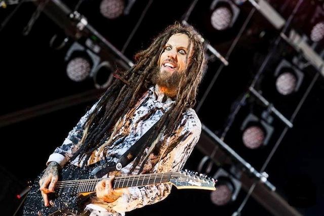 Турне группы Korn продолжается
