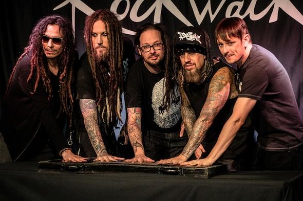 История Korn на страницах фотоальбома