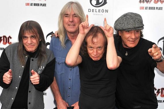 AC/DC снова в деле